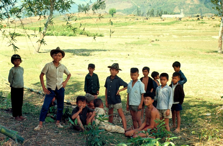 Quang Ngai nam 1967 qua ong kinh si quan phao binh My (2)-Hinh-18