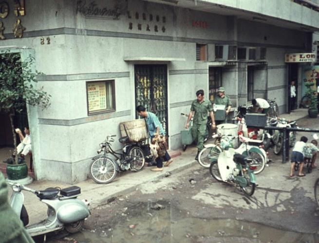 Sai Gon nam 1970 soi dong qua ong kinh pho nhay My (1)-Hinh-6