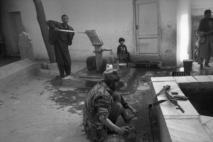 Anh de doi ve Afghanistan khi vua thoat khoi ach Taliban (1)