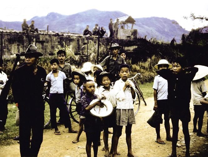 Canh tiep van duong khong hiem co thoi chien tranh Viet Nam-Hinh-8
