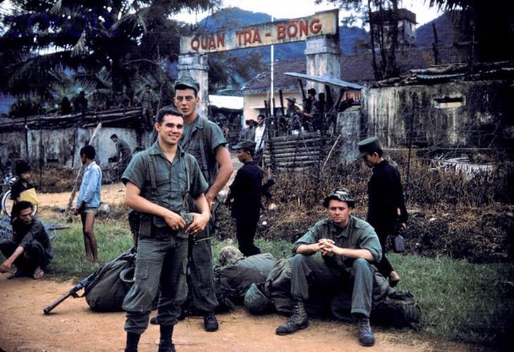 Canh tiep van duong khong hiem co thoi chien tranh Viet Nam-Hinh-9