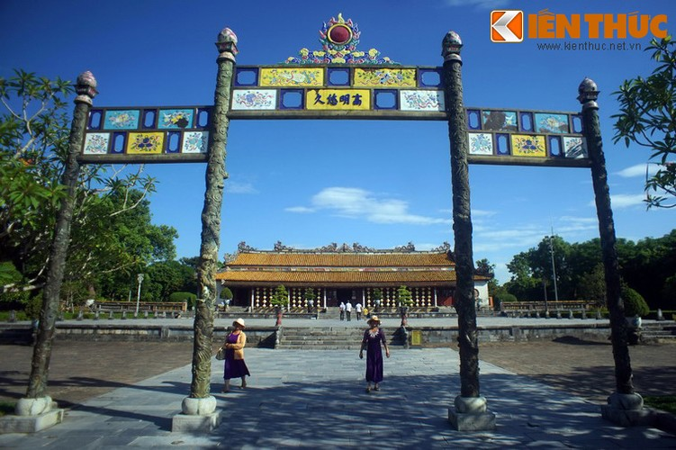 Cay cau co voi cap cong dong nguyen khoi o Hoang thanh Hue-Hinh-16