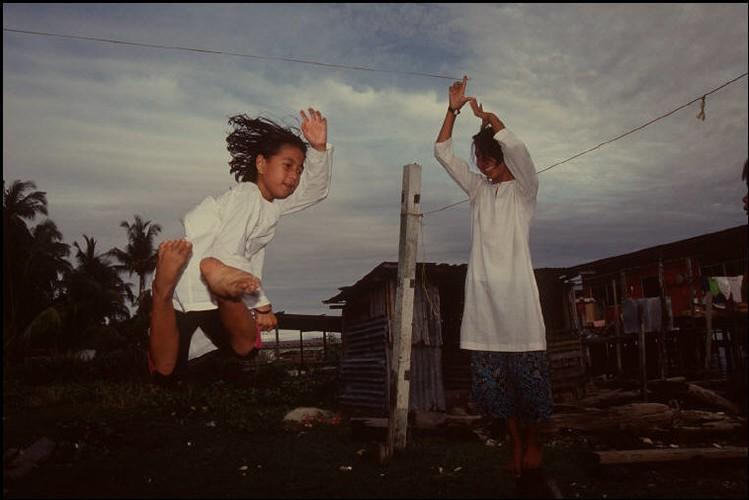 Cuoc song o Brunei nam 1992 qua ong kinh nguoi Nga (2)-Hinh-12