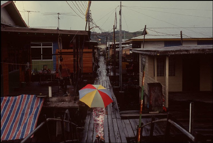 Cuoc song o Brunei nam 1992 qua ong kinh nguoi Nga (2)-Hinh-5
