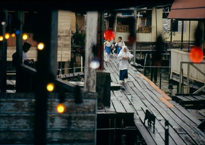 Cuoc song o Brunei nam 1992 qua ong kinh nguoi Nga (2)-Hinh-6