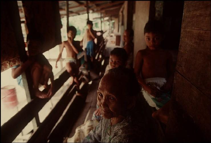 Cuoc song o Brunei nam 1992 qua ong kinh nguoi Nga (2)