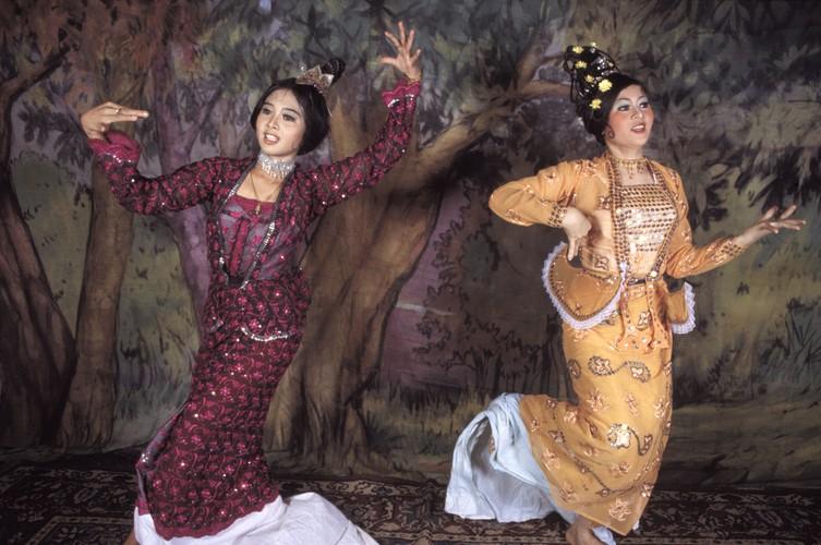 Cuoc song day sac mau o Myanmar thap nien 1970 - 1990 (1)-Hinh-4
