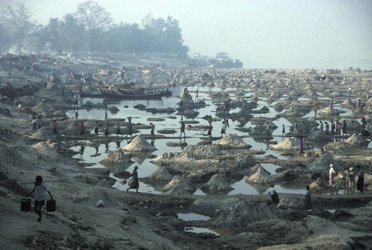 Cuoc song day sac mau o Myanmar thap nien 1970 - 1990 (1)-Hinh-6