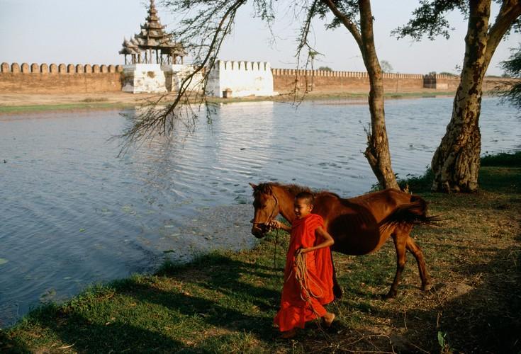 Cuoc song day sac mau o Myanmar thap nien 1970 - 1990 (1)-Hinh-7