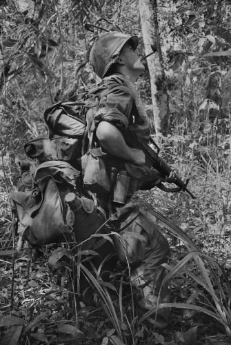 Chien tranh Viet Nam qua ong kinh nu phong vien Phap (2)-Hinh-2