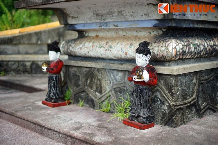 Tham ngoi mo chung cua hai thu linh cuoc khoi nghia Duy Tan-Hinh-13
