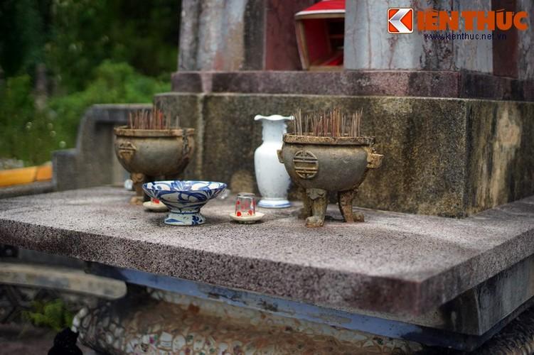 Tham ngoi mo chung cua hai thu linh cuoc khoi nghia Duy Tan-Hinh-15