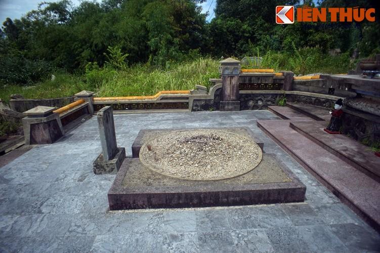 Tham ngoi mo chung cua hai thu linh cuoc khoi nghia Duy Tan-Hinh-9