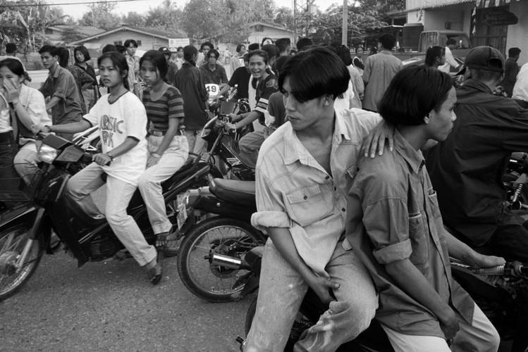Loat anh de doi ve thanh pho Vientiane thap nien 1990 (1)-Hinh-10