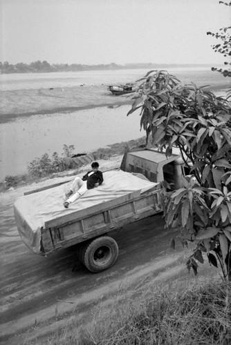 Loat anh de doi ve thanh pho Vientiane thap nien 1990 (1)-Hinh-16