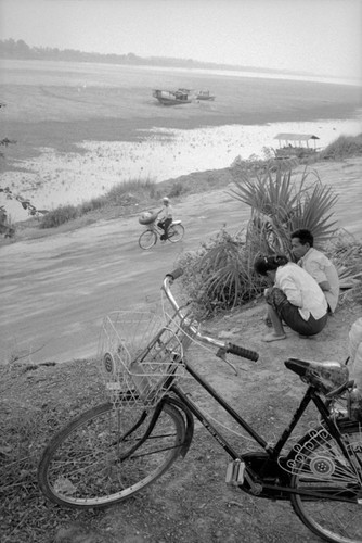 Loat anh de doi ve thanh pho Vientiane thap nien 1990 (1)-Hinh-3