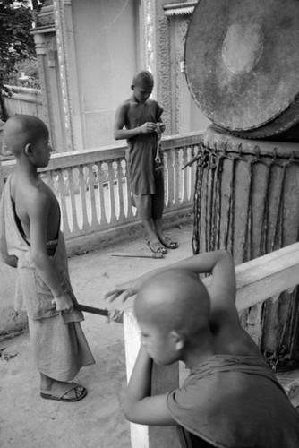 Loat anh de doi ve thanh pho Vientiane thap nien 1990 (1)-Hinh-6