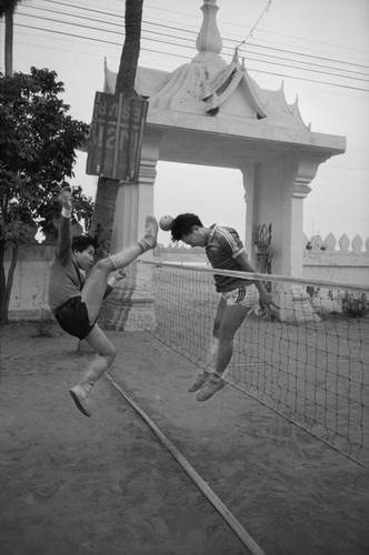Loat anh de doi ve thanh pho Vientiane thap nien 1990 (1)-Hinh-8
