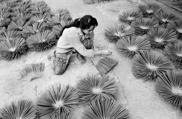 Loat anh de doi ve thanh pho Vientiane thap nien 1990 (1)