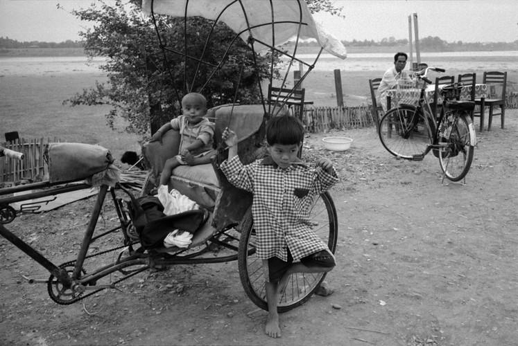 Loat anh de doi ve thanh pho Vientiane thap nien 1990 (2)-Hinh-13