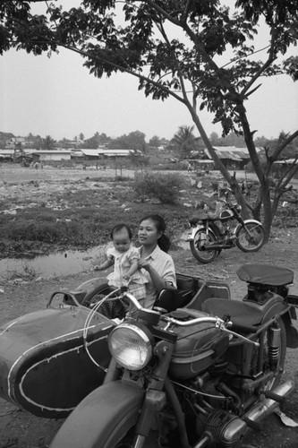 Loat anh de doi ve thanh pho Vientiane thap nien 1990 (2)-Hinh-17