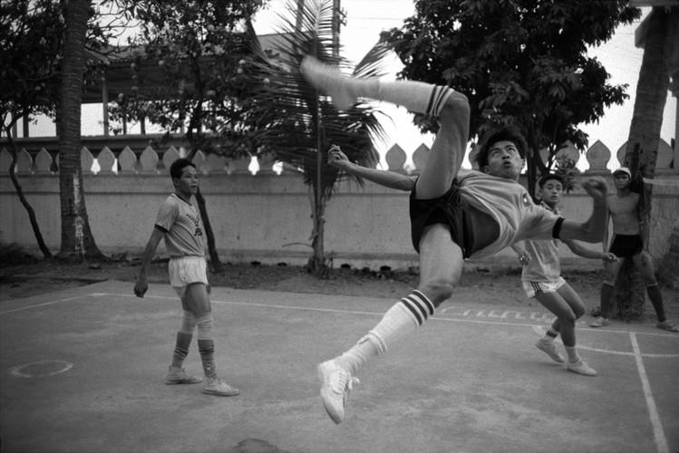 Loat anh de doi ve thanh pho Vientiane thap nien 1990 (2)-Hinh-18