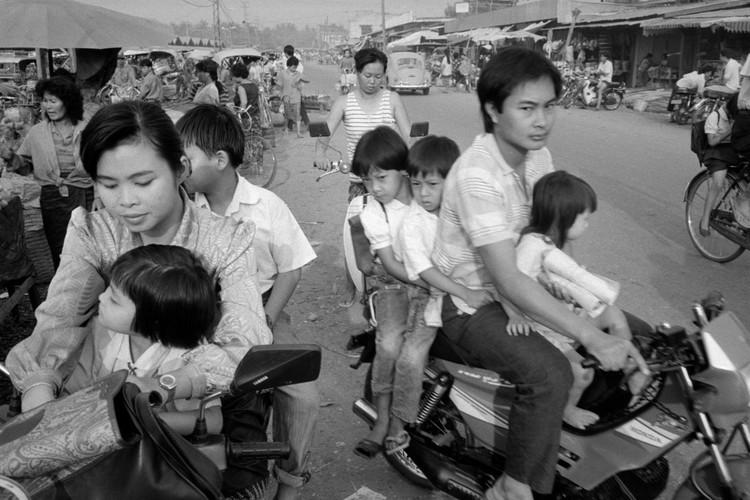 Loat anh de doi ve thanh pho Vientiane thap nien 1990 (2)-Hinh-2