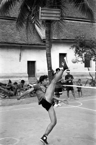 Loat anh de doi ve thanh pho Vientiane thap nien 1990 (2)-Hinh-5