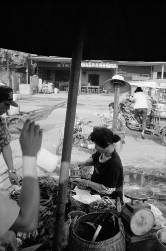Loat anh de doi ve thanh pho Vientiane thap nien 1990 (2)-Hinh-8