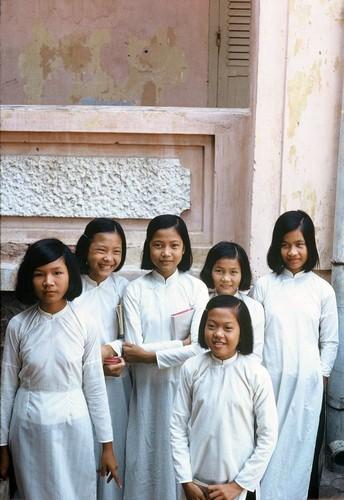 Anh: Doi thuong o Vung Tau nam 1967 qua ong kinh Tom Twitty-Hinh-17