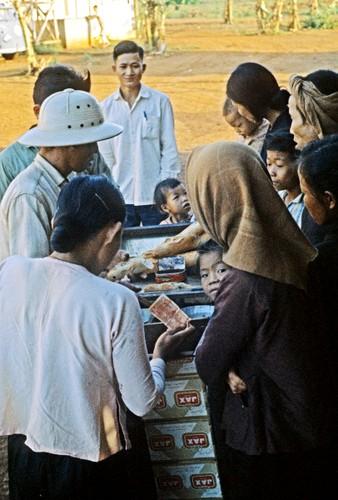 """Chum anh """"doc"""" ve dien mao tinh Binh Phuoc nam 1963-Hinh-18"""