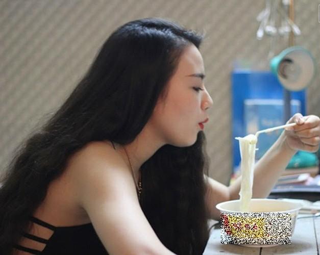 Bat ngo voi noi o cua Nha Phuong, Cong Ly-Hinh-12