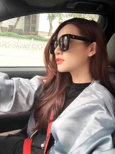 Bat ngo voi noi o cua Nha Phuong, Cong Ly-Hinh-2