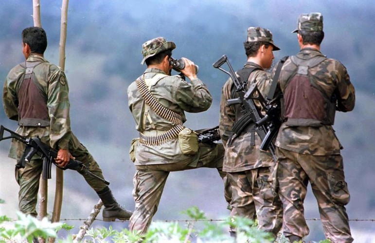 Chum anh ve cuoc noi day cua FARC o Colombia-Hinh-3