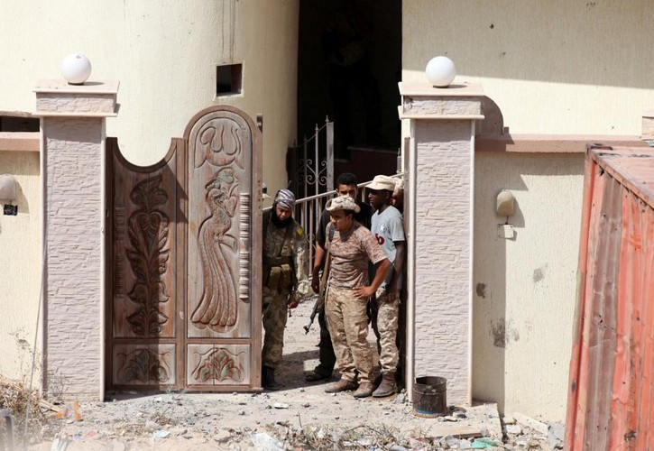 Nong hoi chien truong danh phien quan IS o Libya-Hinh-11