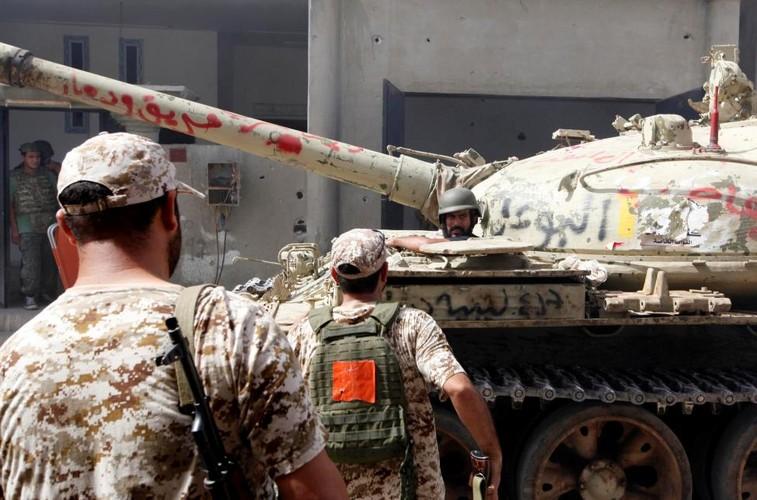 Nong hoi chien truong danh phien quan IS o Libya-Hinh-5