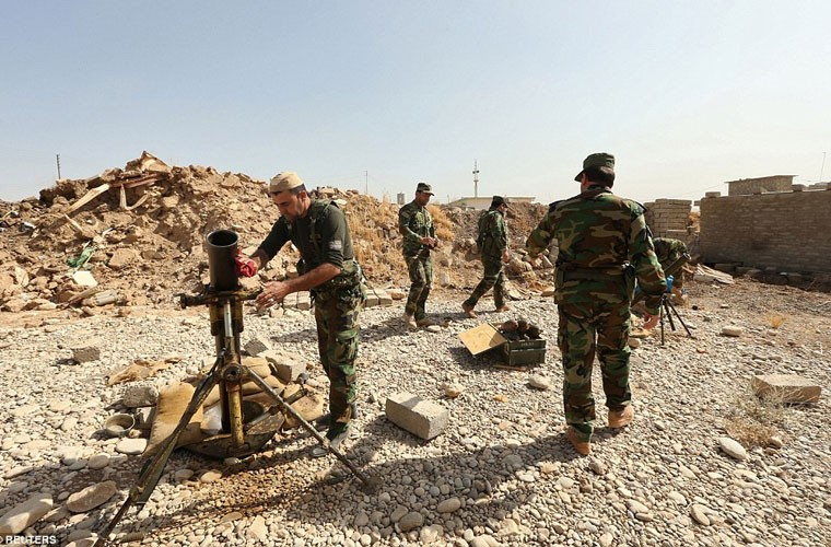 Anh quan doi Iraq chuan bi danh phien quan IS o Mosul-Hinh-2