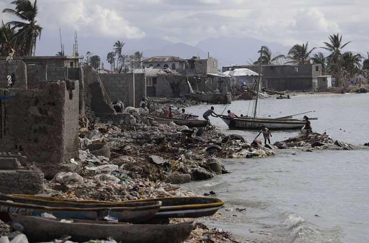Khung hoang nhan dao o Haiti sau sieu bao Matthew-Hinh-2