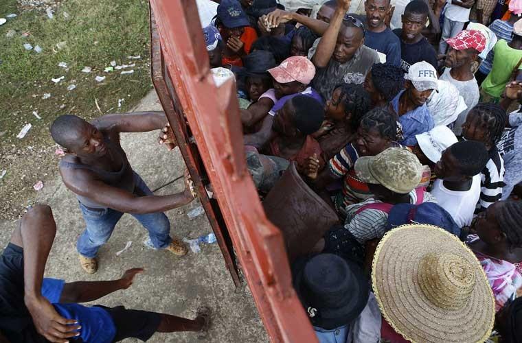 Khung hoang nhan dao o Haiti sau sieu bao Matthew-Hinh-9