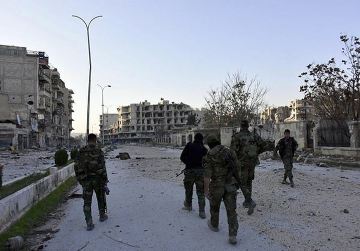 Anh: Quan doi Syria thang nhu che tre o Dong Aleppo-Hinh-5