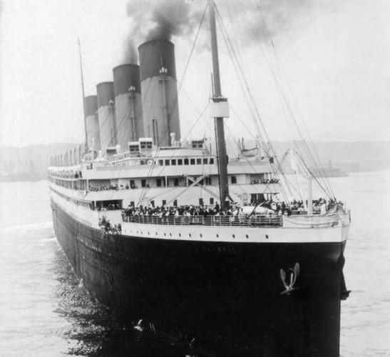 """""""Tat tan tat"""" ve con tau Titanic xau so-Hinh-3"""