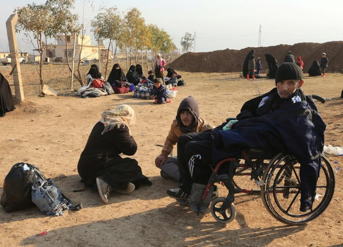 Canh thuong dan Iraq chay khoi chien truong Mosul-Hinh-13