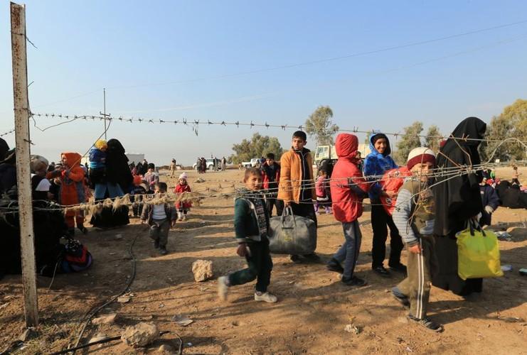 Canh thuong dan Iraq chay khoi chien truong Mosul-Hinh-15