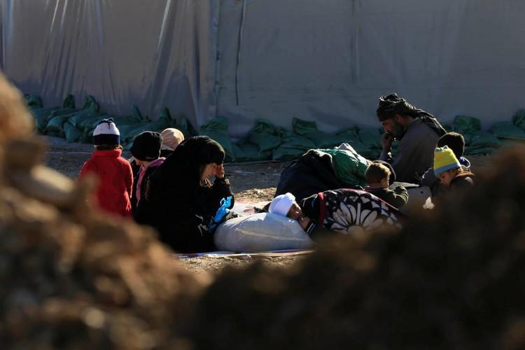 Canh thuong dan Iraq chay khoi chien truong Mosul-Hinh-16