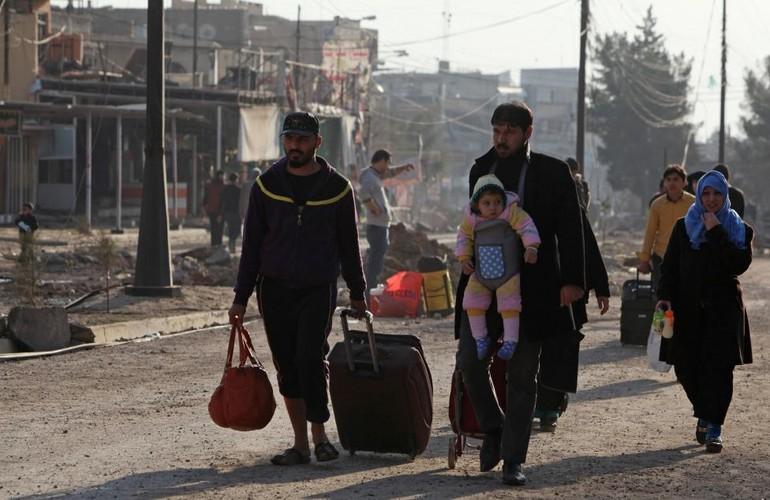 Canh thuong dan Iraq chay khoi chien truong Mosul-Hinh-3