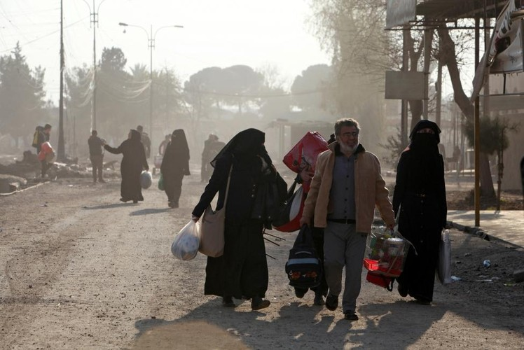 Canh thuong dan Iraq chay khoi chien truong Mosul-Hinh-8