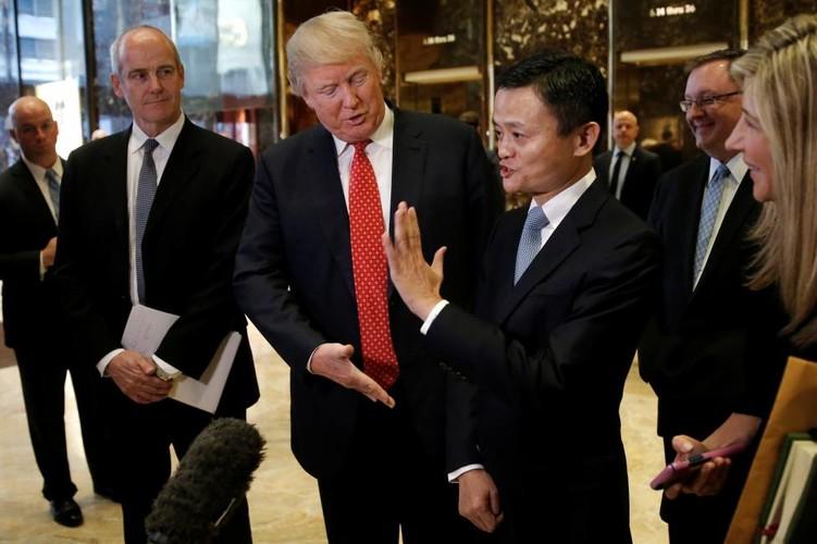 Chum anh hoat dong cua Tong thong dac cu Donald Trump-Hinh-12