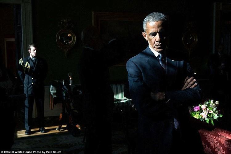 Khoanh khac Tong thong My Obama vui dua ben con gai-Hinh-5