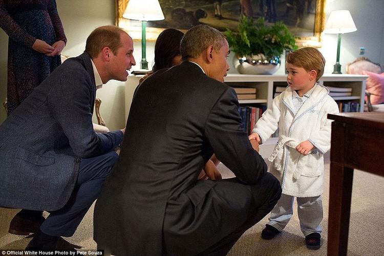 Khoanh khac Tong thong My Obama vui dua ben con gai-Hinh-6
