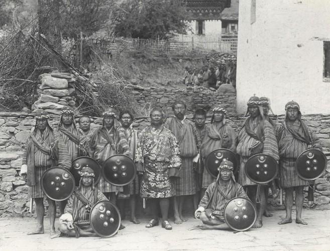 Dat nuoc Bhutan thap nien 1900 qua anh-Hinh-3